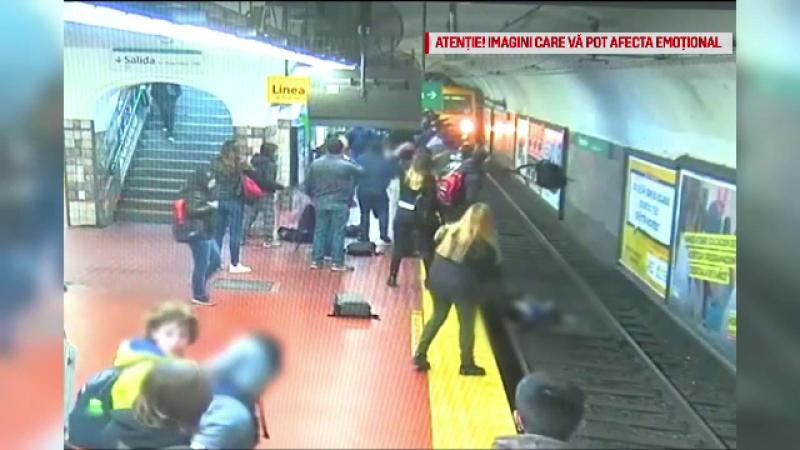 Momentul șocant în care o femeie este aruncată pe șinele de metrou. VIDEO