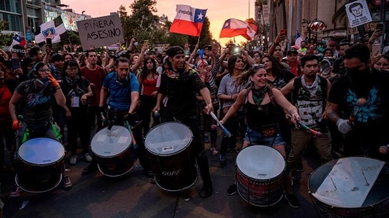 Un MILION de oameni au ieşit în stradă în Chile. Scumpirea care a declanşat protestele