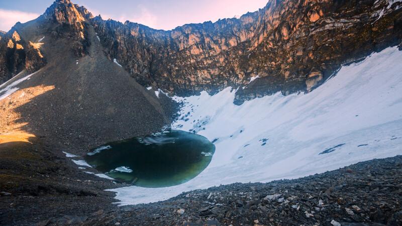 """Mistere care nu și-au găsit răspuns: Catastroza bizară produsă la """"Lacul Scheletelor"""""""