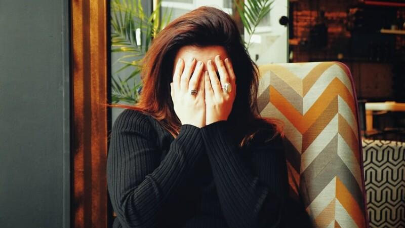 (P) Durerile de cap: ce pot ascunde și când trebuie să mergi la medic?