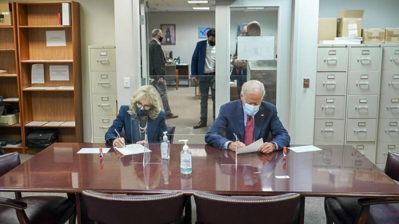 Alegeri SUA 2020. Joe Biden a votat anticipat, alături de soția sa