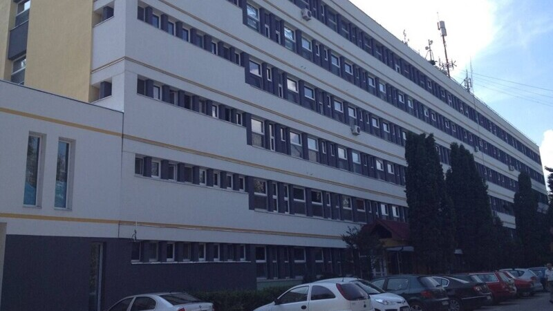 O angajată a Spitalului Județean de Urgență Miercurea Ciuc, diagnosticată cu COVID-19, a murit