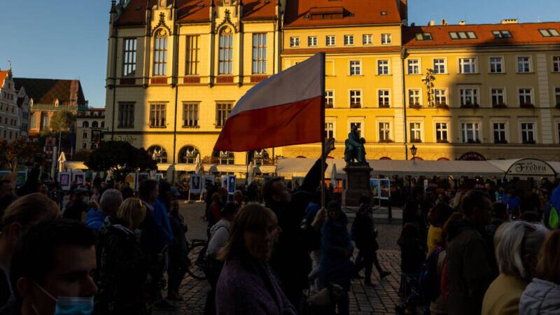 Polonia a făcut primul pas spre ieșirea din Uniunea Europeană