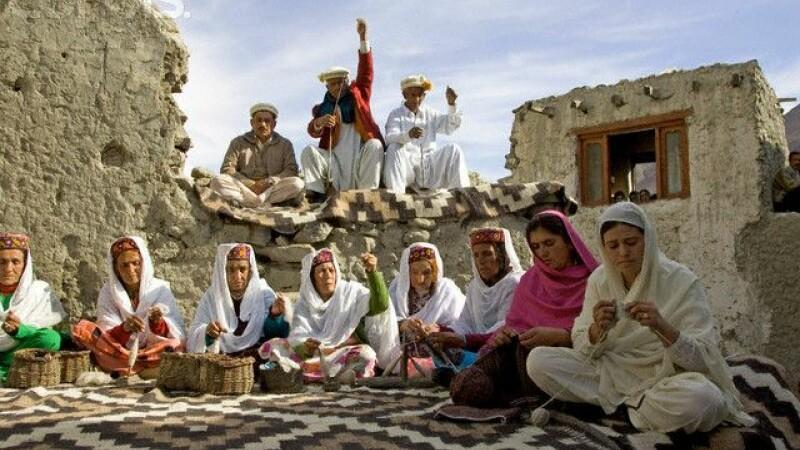 Pakistan: cinci femei au fost ucise pentru ca iubeau pe cine nu trebuia