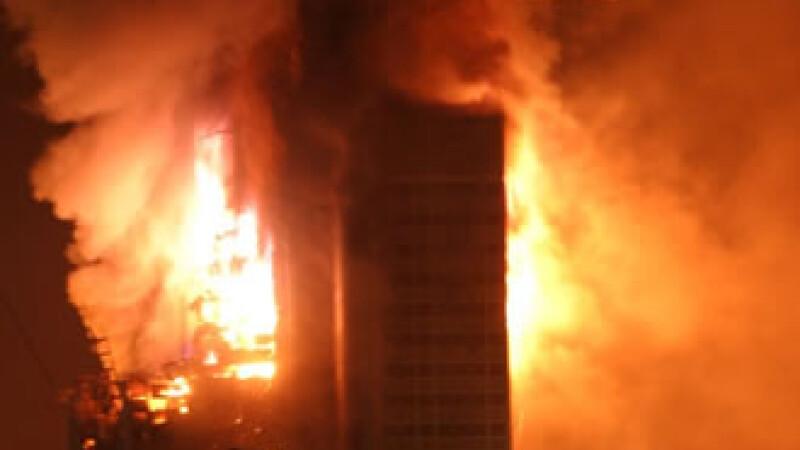 Incendiu devastator intr-un centru comercial din Baltimore