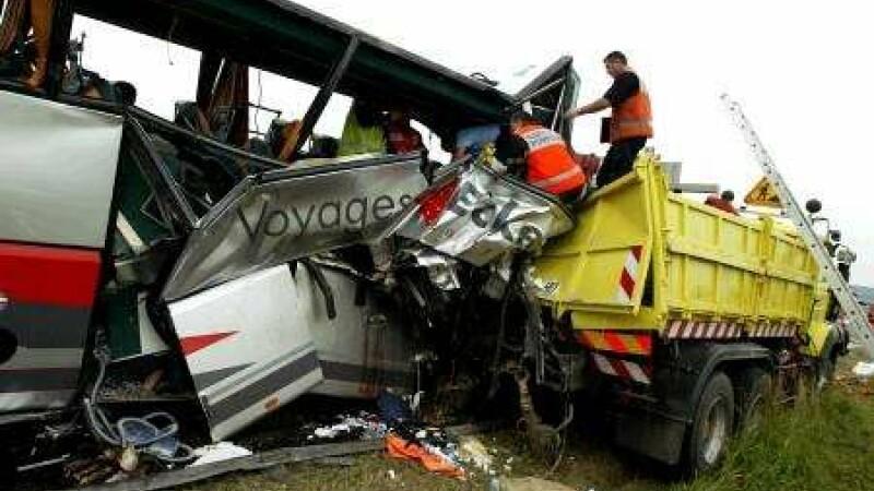 16 morti si 32 raniti intr-un accident rutier in Turcia