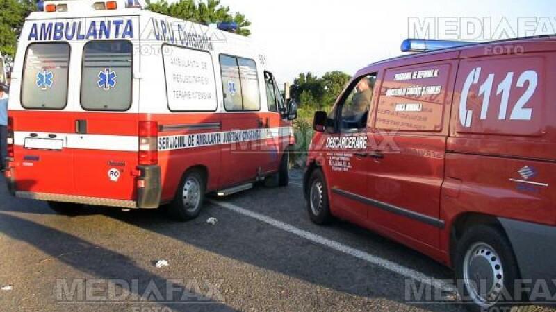 Un sofer a fost transportat la spital