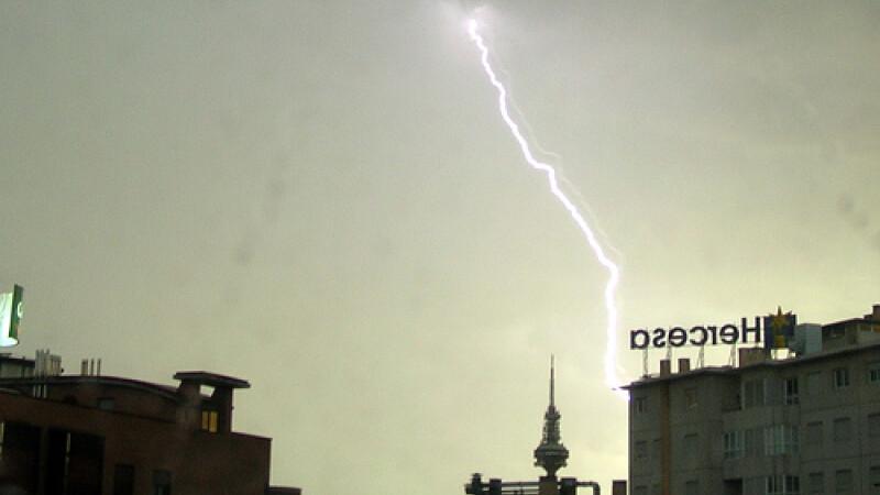 Furtuna cu ploaie si grindina la Madrid