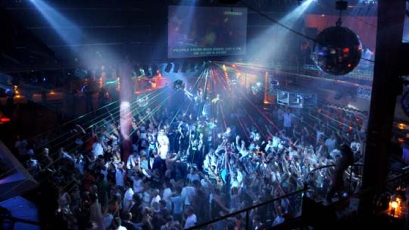 Program redus cu publicul in cluburile din Ibiza