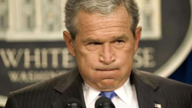 George Bush sufera cu capul!