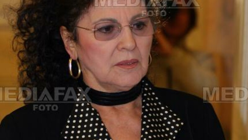 Irina Loghin va candida in acelasi colegiul electoral cu Tariceanu