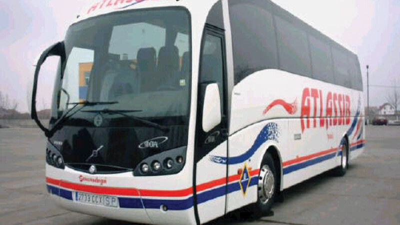 Un autocar romanesc, implicat intr-un accident grav in Italia