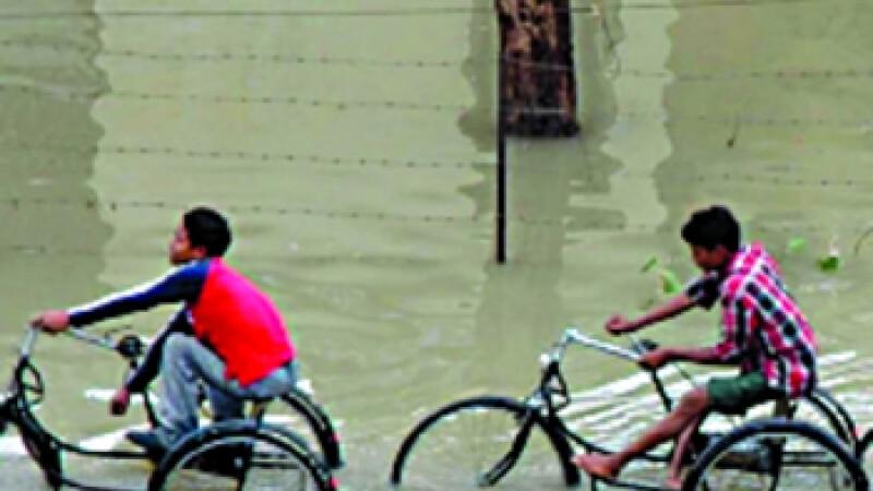 Inundatiile fac ravagii India