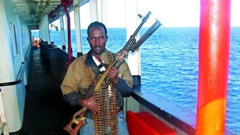 Patru nave atacate de pirati in largul coastelor somaleze