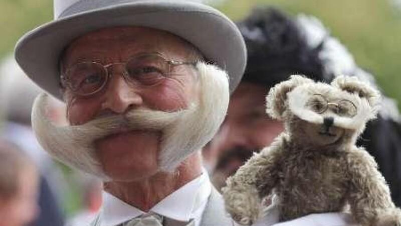 Mustati si barbi