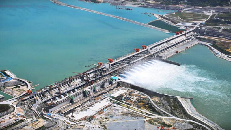 Orasele de pe fundul apei. Cum construiesc chinezii de la Sinohydro cele mai mari baraje din lume
