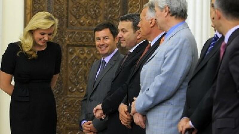 Roberta Anastase in fata ministrilor cabinetului Boc