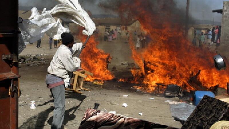 Tragedie in Kenya. Peste 100 de oameni au ars de vii, dupa explozia unei conducte de petrol