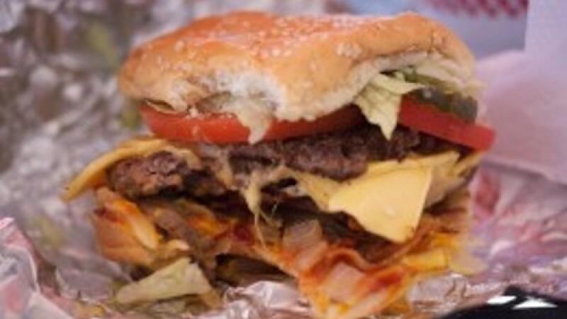 Cum arata burgerul preferat al Americii. McDonald's si Burger King, pe ultimele locuri in top