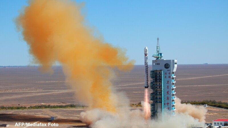 Satelit lansat din China