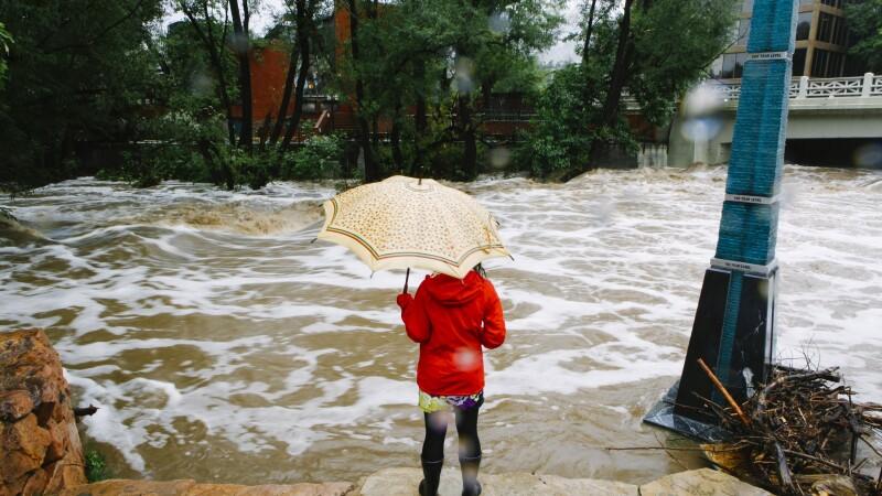 Cateva zile de ploi torentiale au provocat in Colorado cele mai grave inundatii din ultimele decenii