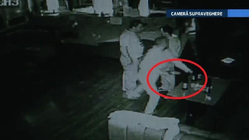Bataie in bar