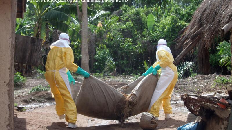 voluntari lupta impotriva Ebola in Africa