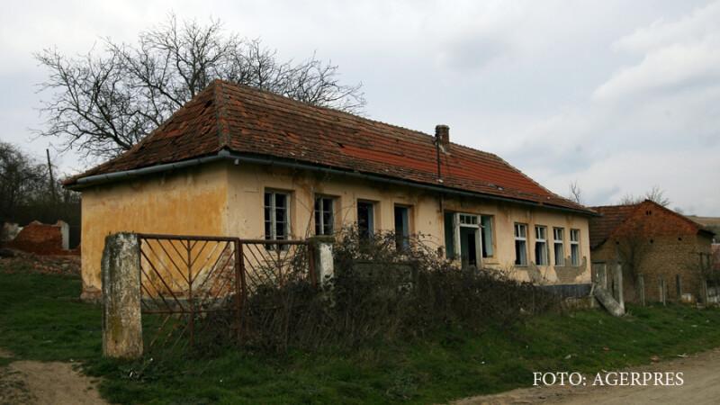 scoala veche din localitatea Pusta Vale
