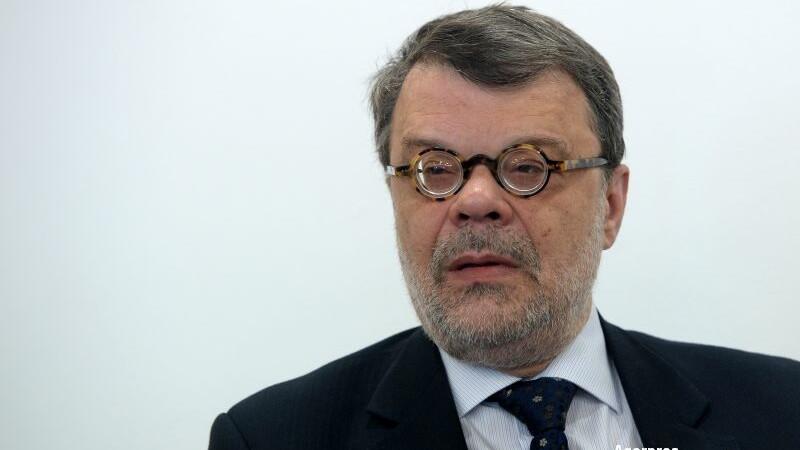 Fostul şef al Autorităţii Electorale, Daniel Barbu, acuzat de DNA că a blocat un control la PSD