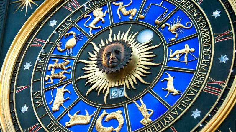 Horoscop 3 ianuarie 2017. Capricornii primesc o oferta surprinzatoare, Gemenii se pregatesc de casatorie