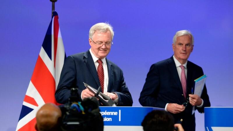 David Davis si Michel Barnier