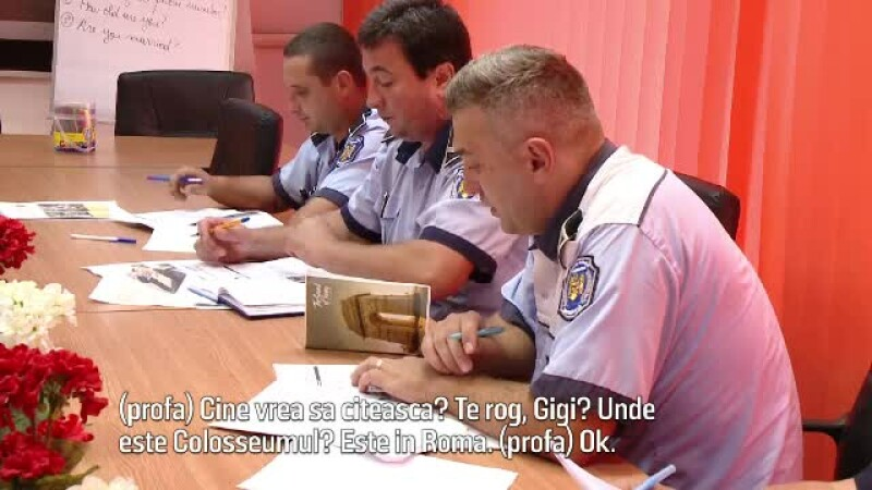 politisti invata limba engleza