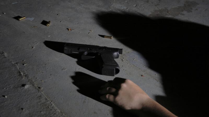 Un profesor din Prahova s-ar fi sinucis după ce s-a aflat că a avut o relaţie cu o elevă