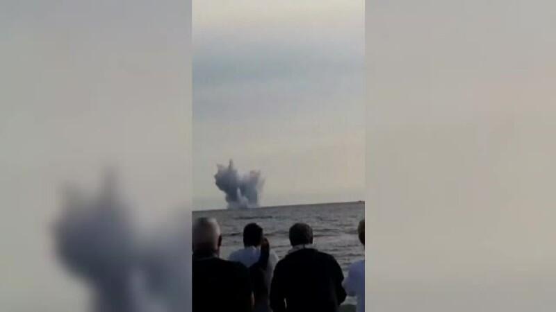 avion cazut in mare