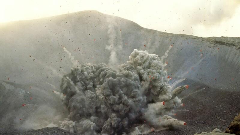 eruptie a unui vulcan in Vanuatu