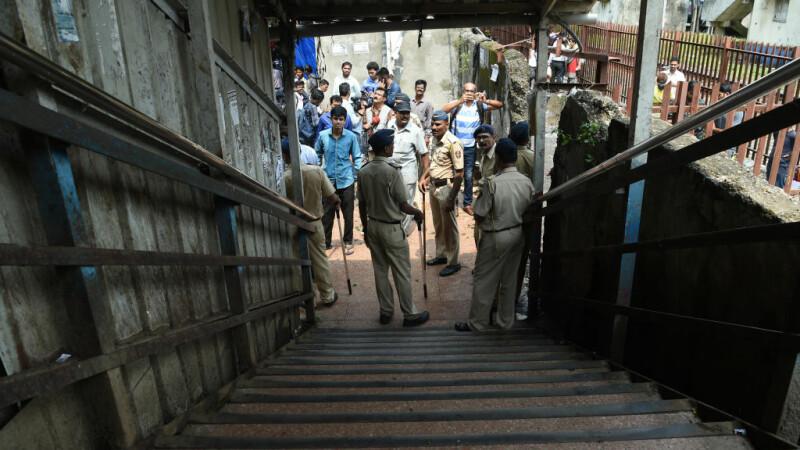 ancheta dupa busculada de la gara Elphinstone, Mumbai