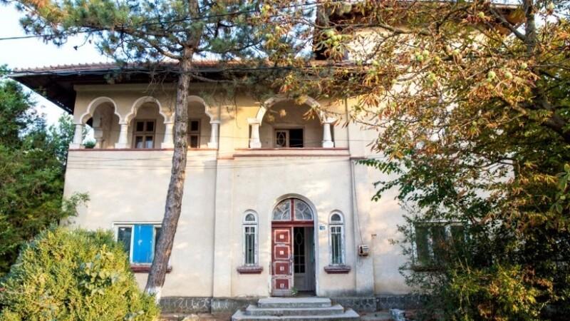 Conacul boieresc Cioceanu, monument istoric, scos la licitaţie. Prețul de pornire