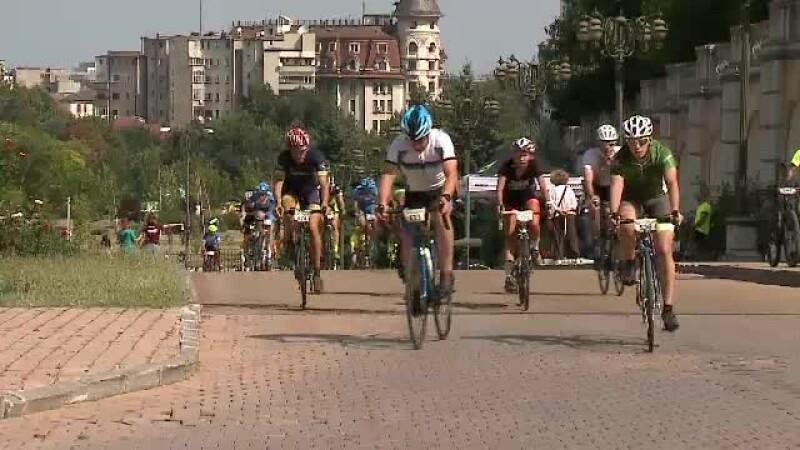 1.000 de bicicliști participă la un marș împotriva Gabrielei Firea, în Capitală