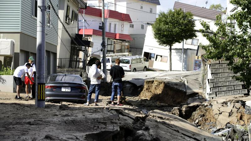 Nouă morți și 300 de răniți după un cutremur de 6,7 în Japonia. Imagini din dronă