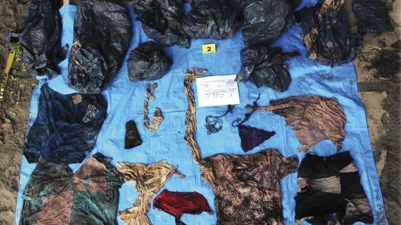 Peste 150 de cadavre, descoperite într-o groapă comună. Mii de persoane, date încă dispărute