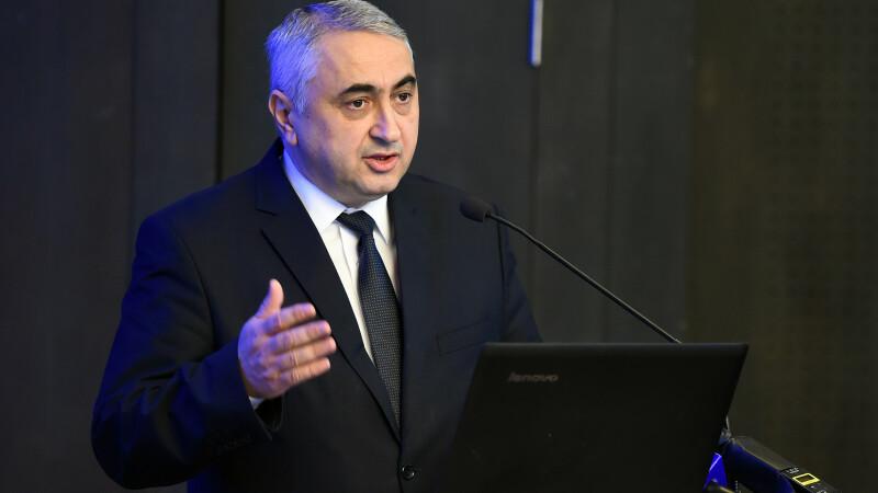 Ministrul Educației cere ca până în anul 2020 să nu mai existe școli cu toaletă în curte