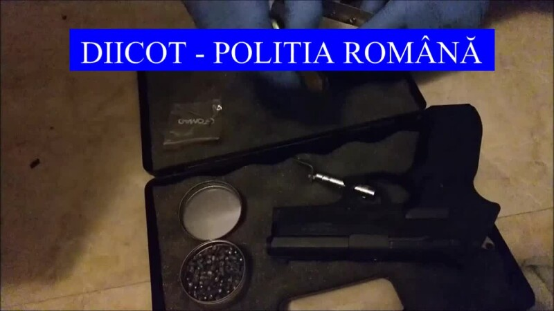 """Zeci de românce, racolate prin metoda """"Loverboy"""" pentru a se prostitua în străinătate. Sumele obținute de traficanți"""