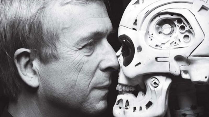 Omul de ştiinţă Kevin Warwick, supranumit Captain Cyborg, vine la Bucureşti