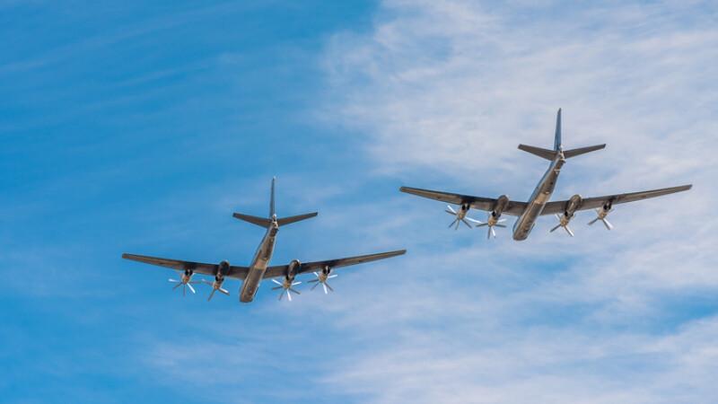Bombardiere ruseşti, interceptate în apropierea coastelor americane