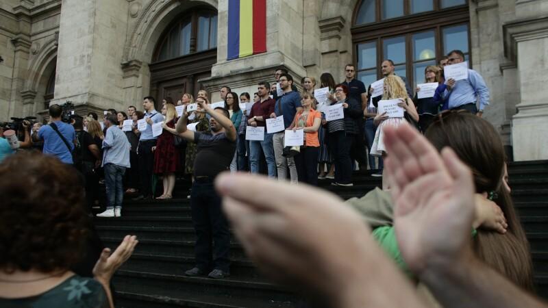 Protest al magistraților din toată țara în fața Curții de Apel București