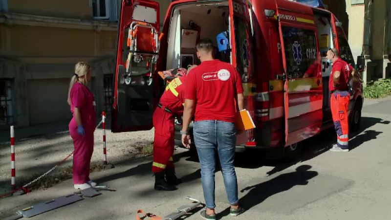 Un pacient care a vrut să fumeze în salon a căzut de la etaj. Cum s-a petrecut accidentul