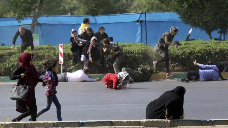 Momentul masacrului din Iran, transmis în direct de o televiziune. VIDEO
