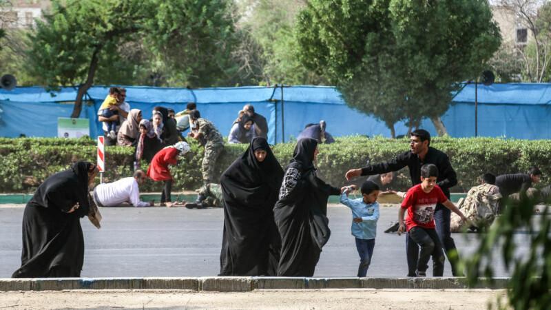 Masacru la o paradă militară din Iran. Sunt 24 de morți și 60 de răniți. Printre victime, o fetiță