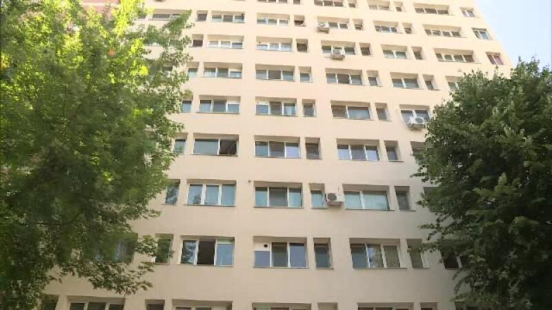 """Vânzările de case și apartamente au scăzut. """"Deși au salarii mai mari, românii sunt săraci"""""""