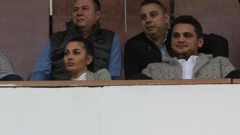 """Fiul lui Liviu Dragnea, certat de cetățeni: """"Ești patron pe banii furați de la copii!"""""""
